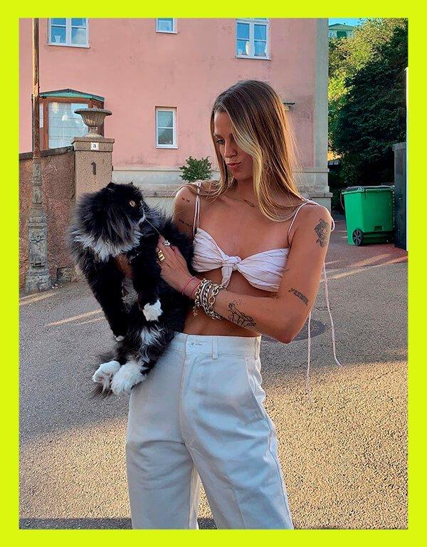 It girls - Calça de alfaiataria - Alfaiataria no calor - Verão - Street Style - https://stealthelook.com.br