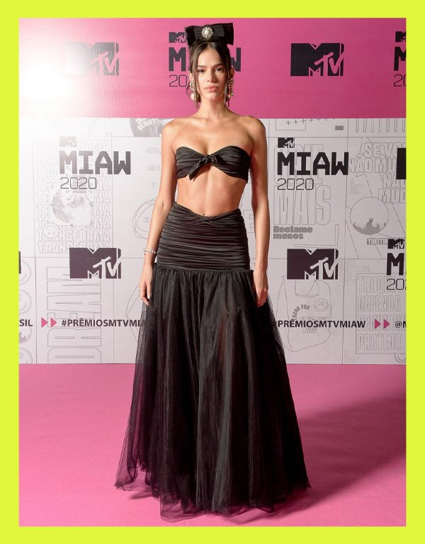Bruna Marquezine - modelo de biquíni tendência - biquíni - verão - street style - https://stealthelook.com.br
