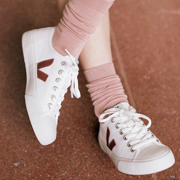 STEAL THE LOOK - trendy now - Afinal, por quê esse tênis casual é o novo queridinho do momento?