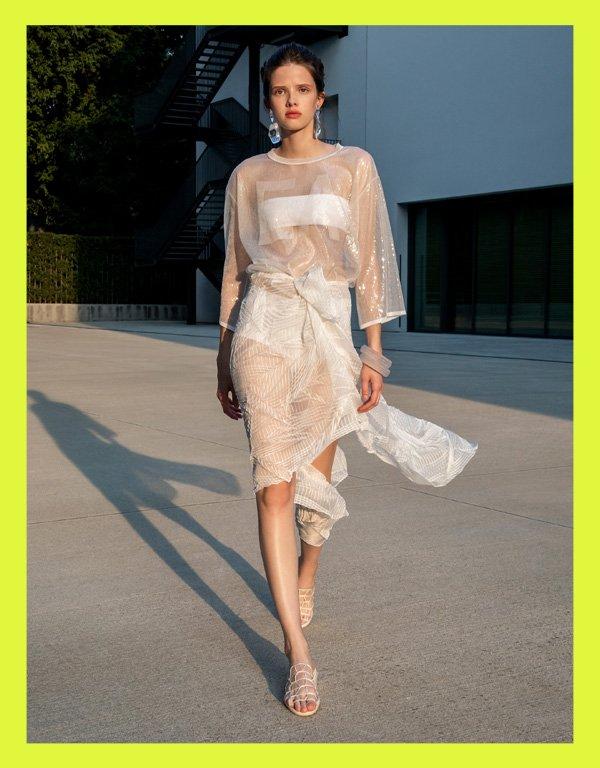 Emporio Armani - modelo de biquíni tendência - biquini  - verão - street style - https://stealthelook.com.br