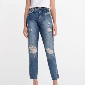 Calça Jeans Mom com Puídos e Bolso Duplo
