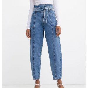 Calça Baggy Jeans com Recortes e Cinto Faixa