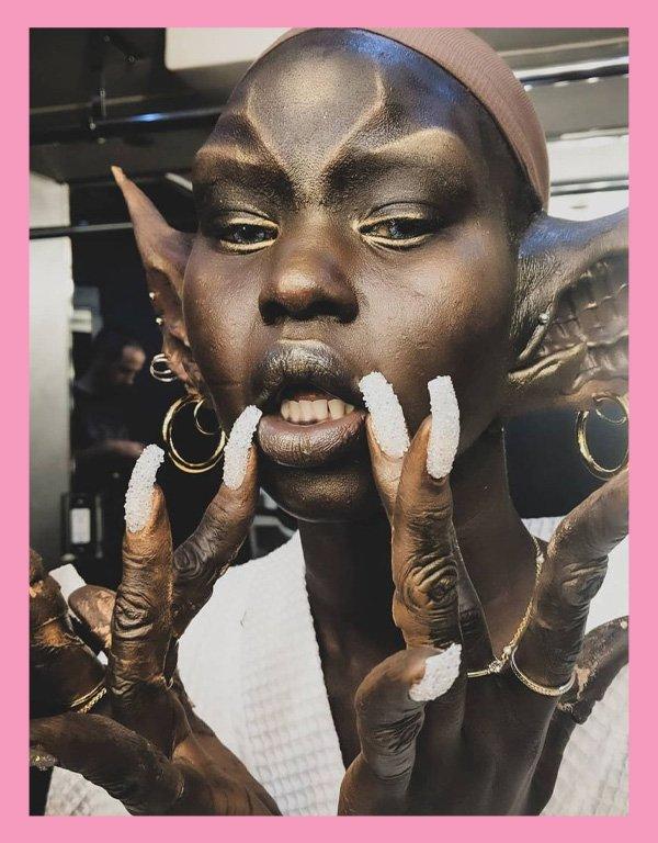 Isamaya Ffrench - Isamaya Ffrench - maquiagem - verão - street style - https://stealthelook.com.br