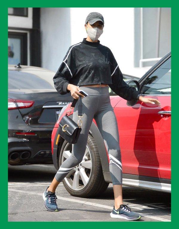 Ella Balinska - calça legging - calça confortável - verão - street style - https://stealthelook.com.br