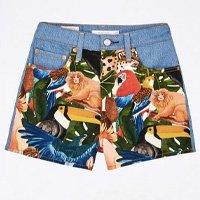 short jeans estampado collage levis
