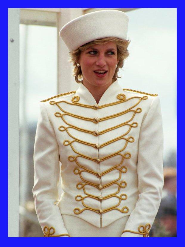 Princesa Diana - Monarquia - Diana - Primavera - Street Style - https://stealthelook.com.br