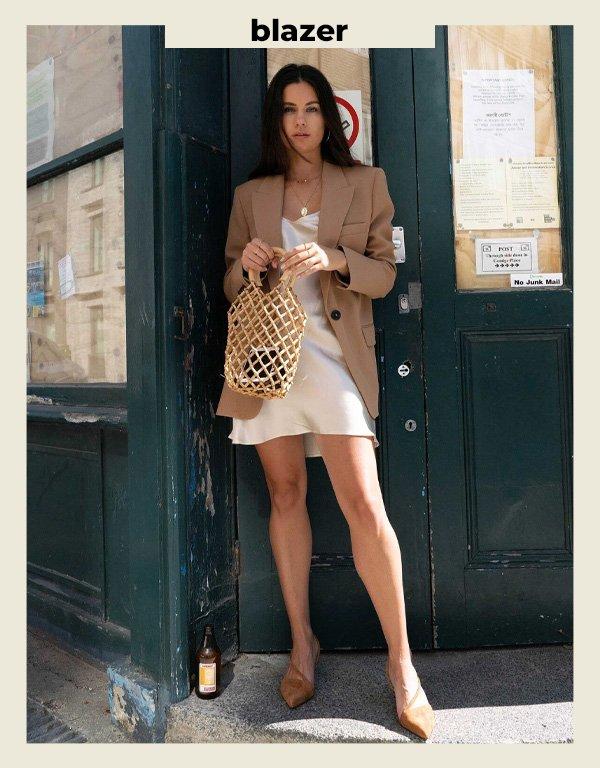 Sarah Butler - look com vestido - vestidos - verão - street style - https://stealthelook.com.br
