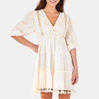 vestido curto texturas