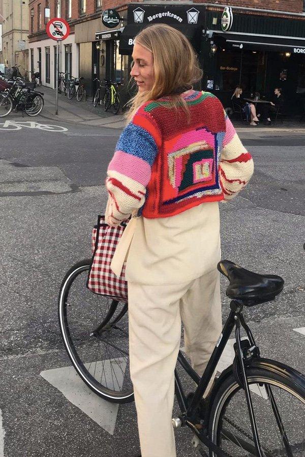 Lulu Kaalund - craftcore - tendência 2021 - verão - street style - https://stealthelook.com.br