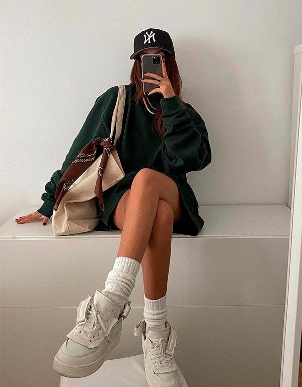 It girls - Tênis - Tênis branco - Verão - Street Style - https://stealthelook.com.br