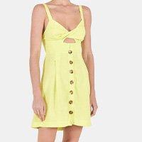 vestido curto decote torcido