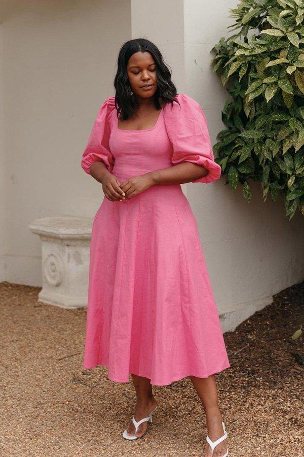 Karina Marriott - a cor mais desejada de 2021 - cor de rosa - verão - street style - https://stealthelook.com.br