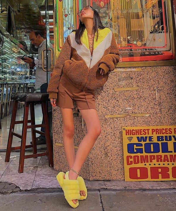 Kate Ahn - fluff yeah - sandália fluffy - verão - street style - https://stealthelook.com.br