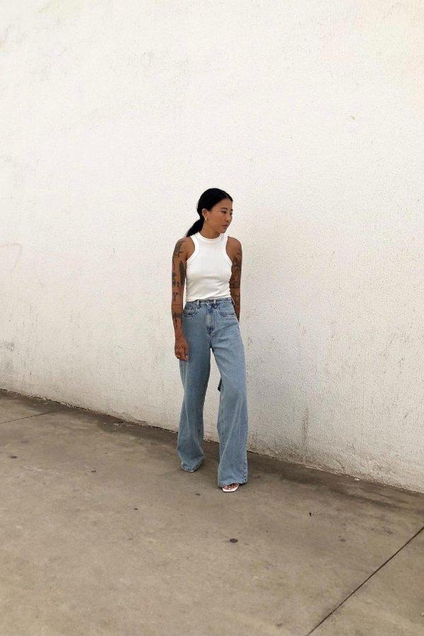 Luciane Sakon - camiseta branca - looks de verão - verão - street style  - https://stealthelook.com.br