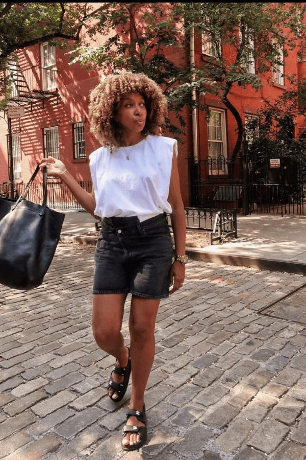 Karen Blanchard - camiseta branca - looks de verão - verão - street style  - https://stealthelook.com.br