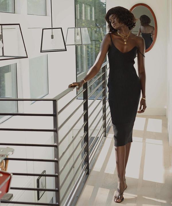 Amy Julliette Lefévre - vestido preto - vestido preto - verão - Em casa - https://stealthelook.com.br