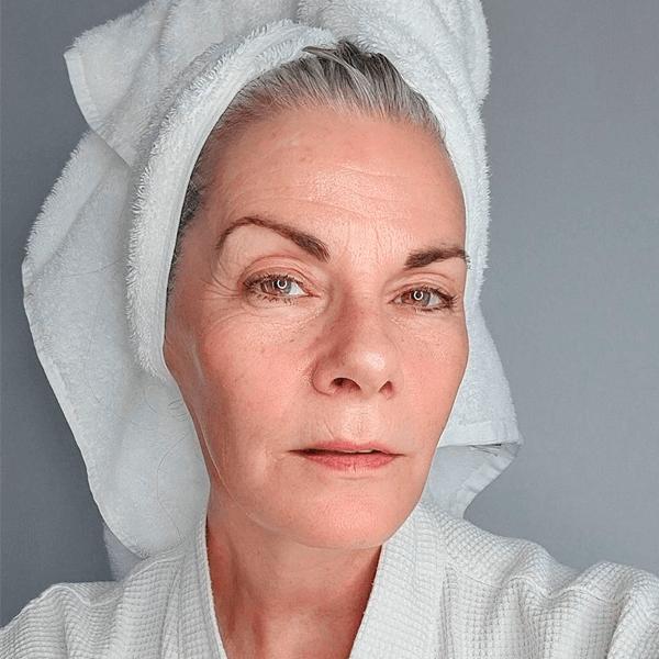 Mel Brady - toalha - skincare - verão - em-casa - https://stealthelook.com.br