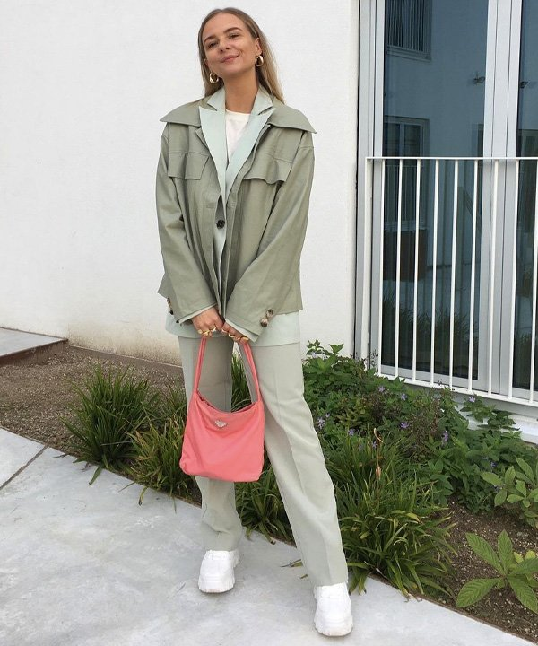 Emma Moldt - tons de verde em alta - verde abacate, verde musgo, verde claro, verde bandeira, verde pistache - verão - street style - https://stealthelook.com.br