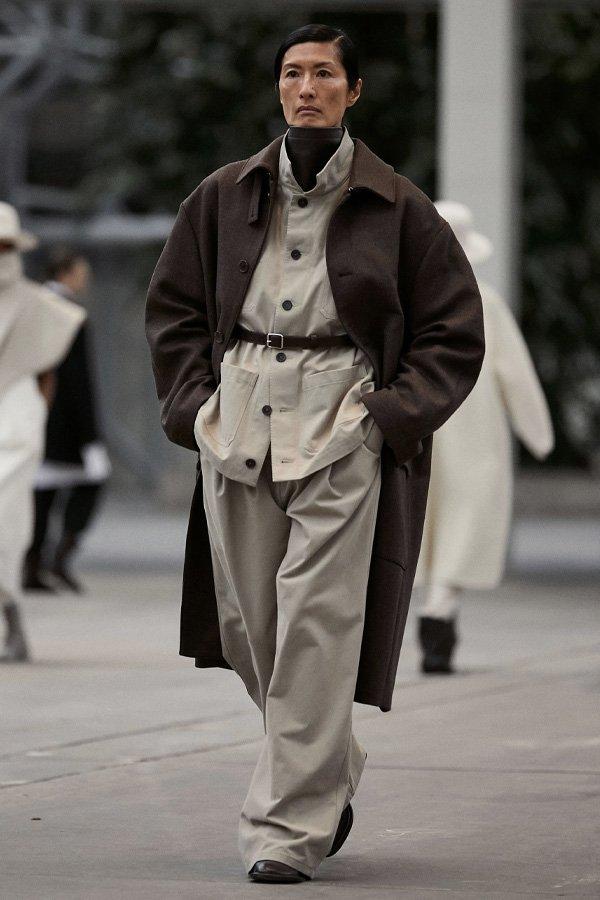 Mark Kenly Domino Tan - copenhagen fashion week 2021 - semana de moda 2021 - verão - street style - https://stealthelook.com.br
