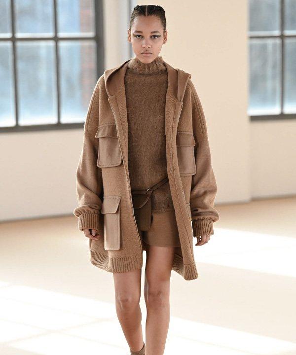 Max Mara - semana de moda de Milão 2021 - Milan Fashion week - verão - street style - https://stealthelook.com.br