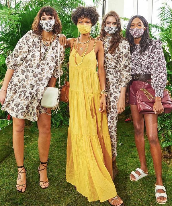 Rebecca Minkoff - New york fashion week 2021 - semana de moda de nova york - verão - street style - https://stealthelook.com.br