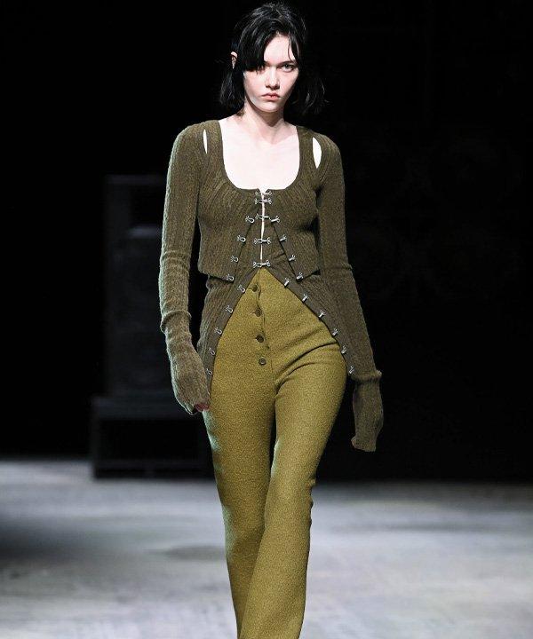 Sportmax - semana de moda de Milão 2021 - semana de moda 2021 - verão - street style - https://stealthelook.com.br