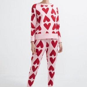 Pijama Blusa Manga Longa e Calça em Moletom com Estampa de Corações