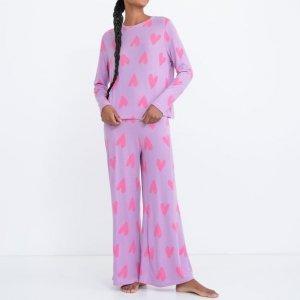 Pijama Blusa Manga Longa e Calça em Malharia Retilínea com Estampa de Corações