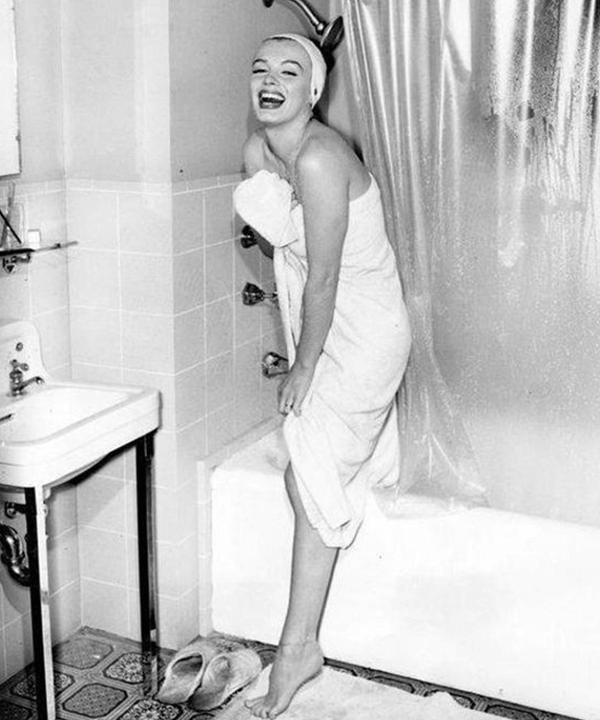 Marilyn Monroe - banho - banho relaxante - outono - brasil - https://stealthelook.com.br