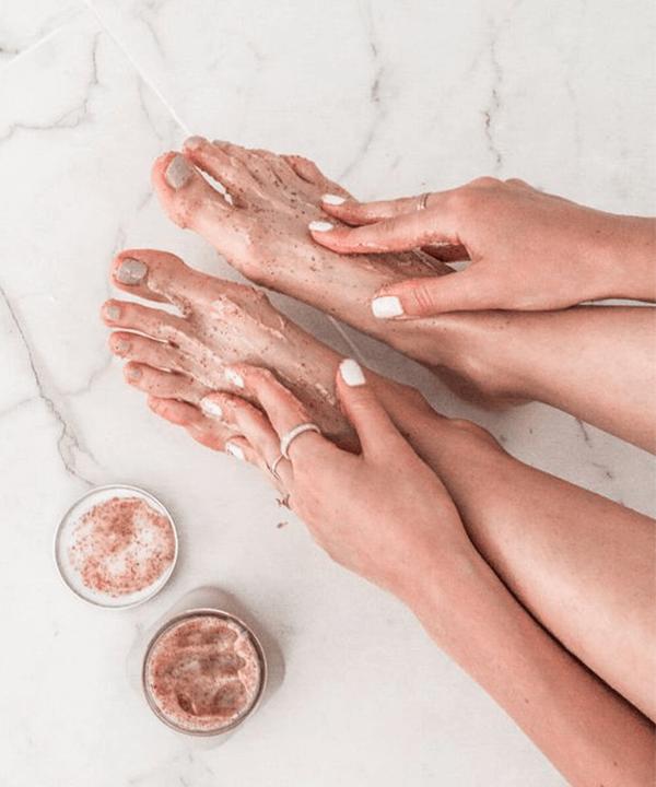 esfoliação dos pés - esfoliação dos pés - como cuidar dos pés em casa - outono - brasil - https://stealthelook.com.br