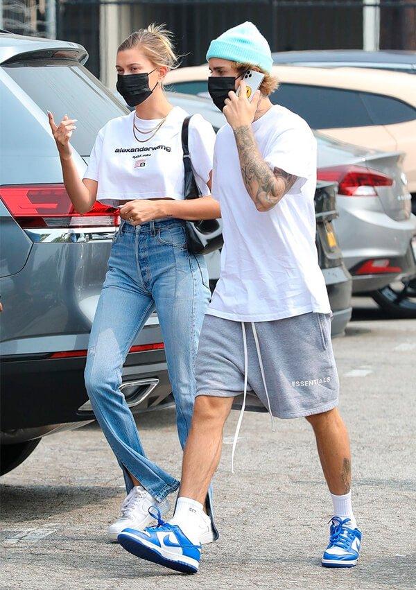 It girls - Jeans - Looks de casal - Verão - Street Style - https://stealthelook.com.br