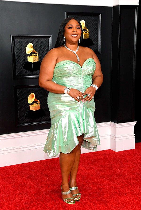 Lizzo - Vestido longo - Grammy - Verão - Red Carpet - https://stealthelook.com.br