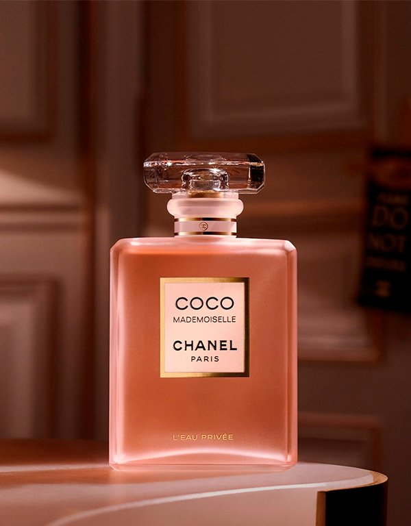 It girls - Perfume - Chanel - Outono - Em casa - https://stealthelook.com.br