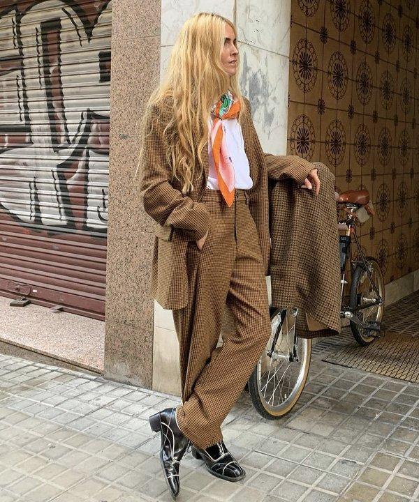 Blanca Miró - lenço no look - lenço na cabeça - outono - street style - https://stealthelook.com.br