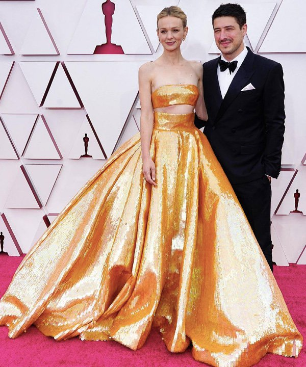 Carey Mulligan - looks do oscar 2021 - red carpet - outono - street style - https://stealthelook.com.br