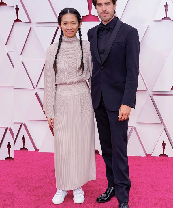 chloe zhao - looks do oscar 2021 - red carpet - outono - street style - https://stealthelook.com.br
