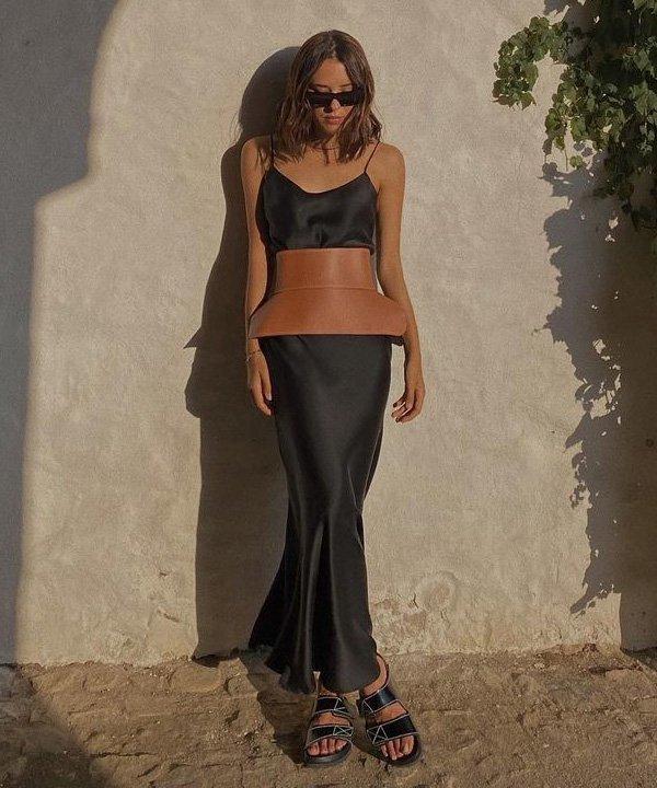 Débora Rosa - acessório tendência - corset belt - outono - street style - https://stealthelook.com.br