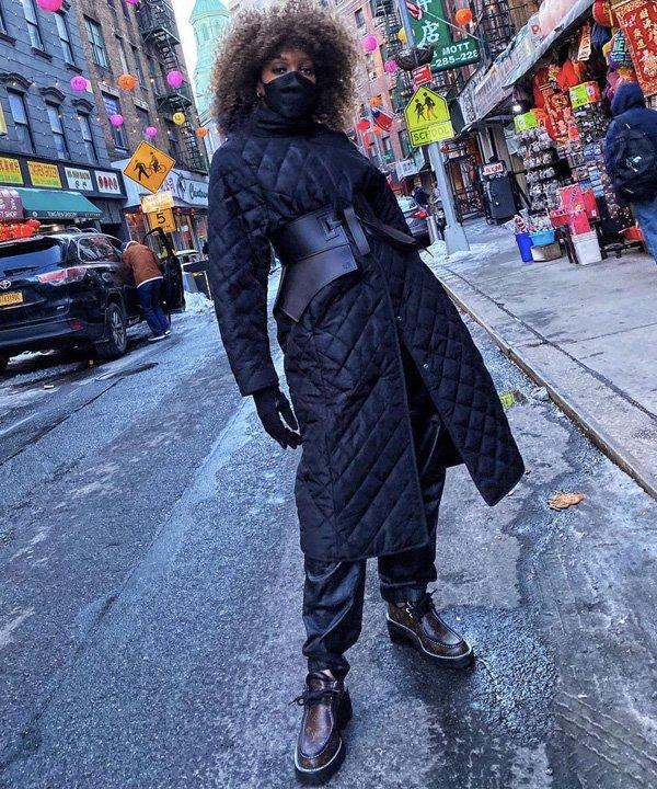Karen Blanchard - acessório tendência - corset belt - outono - street style - https://stealthelook.com.br