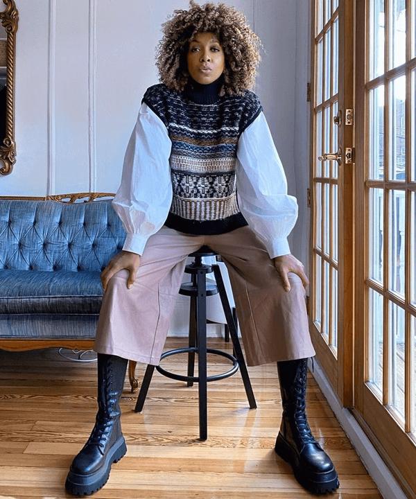 Karen Blanchard - tendências de inverno - colete de tricô - outono - street style - https://stealthelook.com.br