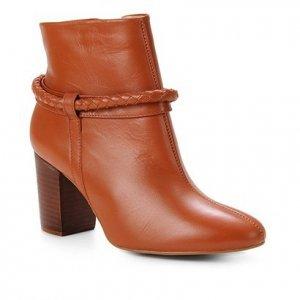 Bota Couro Shoestock Cano Curto Tressê Feminina - Feminino - Caramelo
