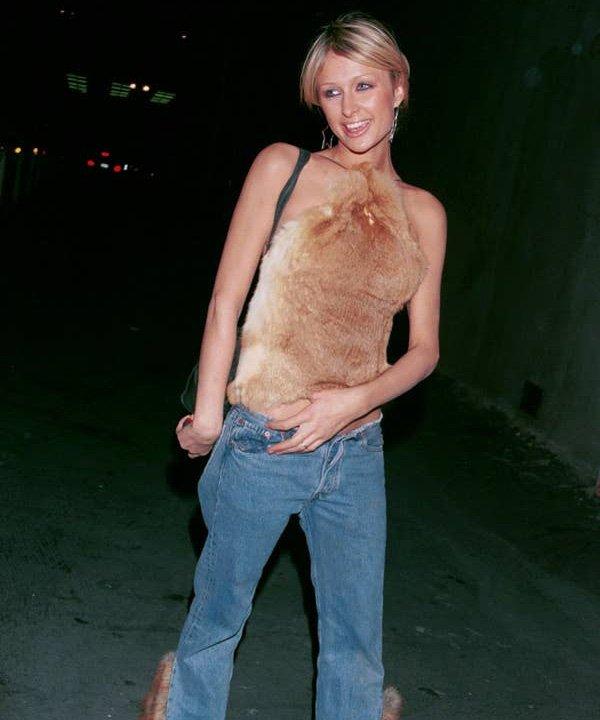 Paris Hilton - tendências dos anos 2000 - moda dos anos 2000 - outono - street style - https://stealthelook.com.br