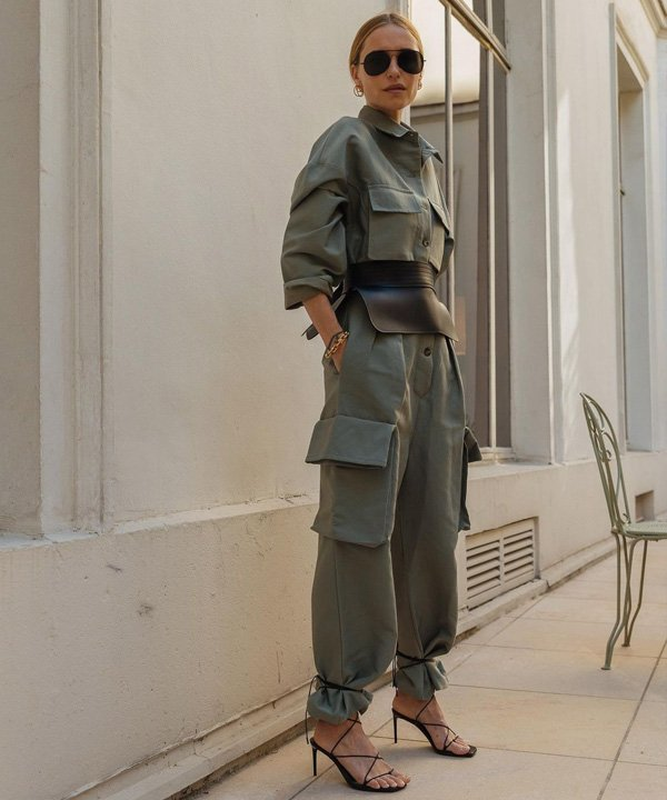 Pernille Teisbaek - acessório tendência - corset belt - outono - street style - https://stealthelook.com.br