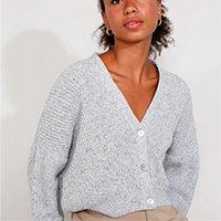 cardigan de tricô feminino mindset oversized cropped decote v cinza mescla