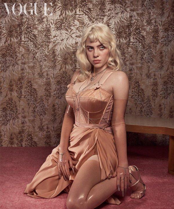 Billie Eilish - Billie Eilish - vogue - outono - street style - https://stealthelook.com.br