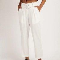 calça feminina clochard com cinto e bolsos branca