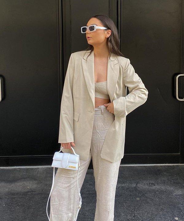 Shannon V Kenyon - calça de linho e blazer - calça de linho - outono - brasil - https://stealthelook.com.br