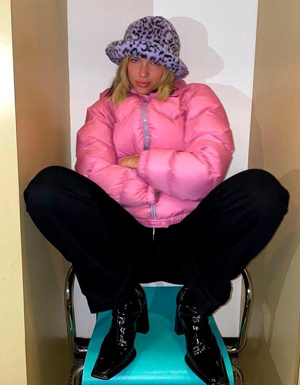 It girls - Bucket hat - Bucket hat - Outono - Street Style - https://stealthelook.com.br