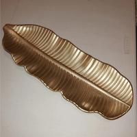 Enfeite decorativo Folha de Madeira Dourado