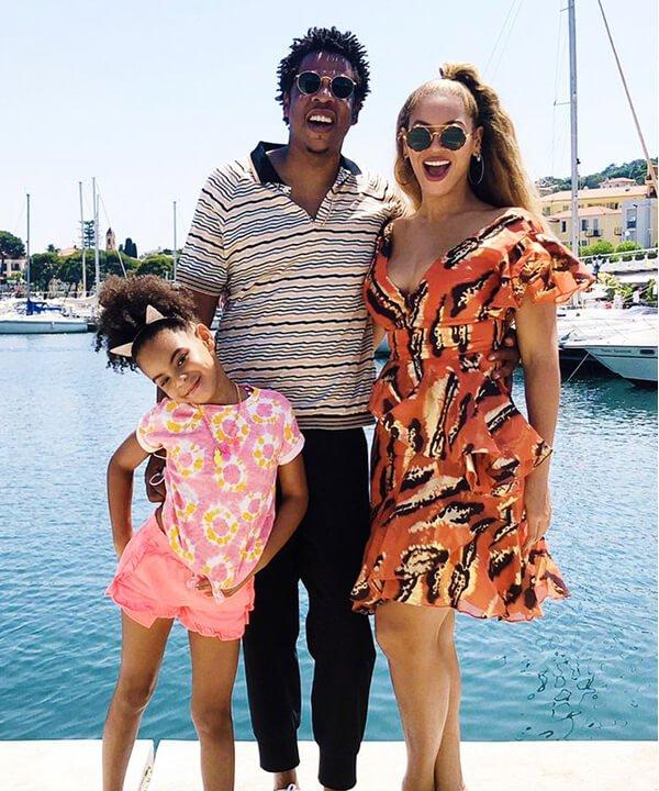 Família Carter - vestido estampado - famílias estilosas - outono - brasil - https://stealthelook.com.br