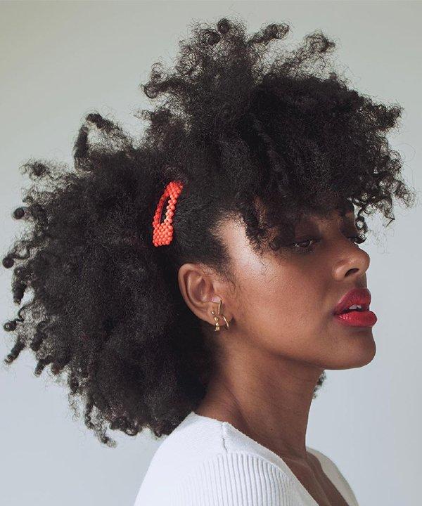 Angela Onuoha - cabelo afro - cabelo crespo - outono - brasil - https://stealthelook.com.br